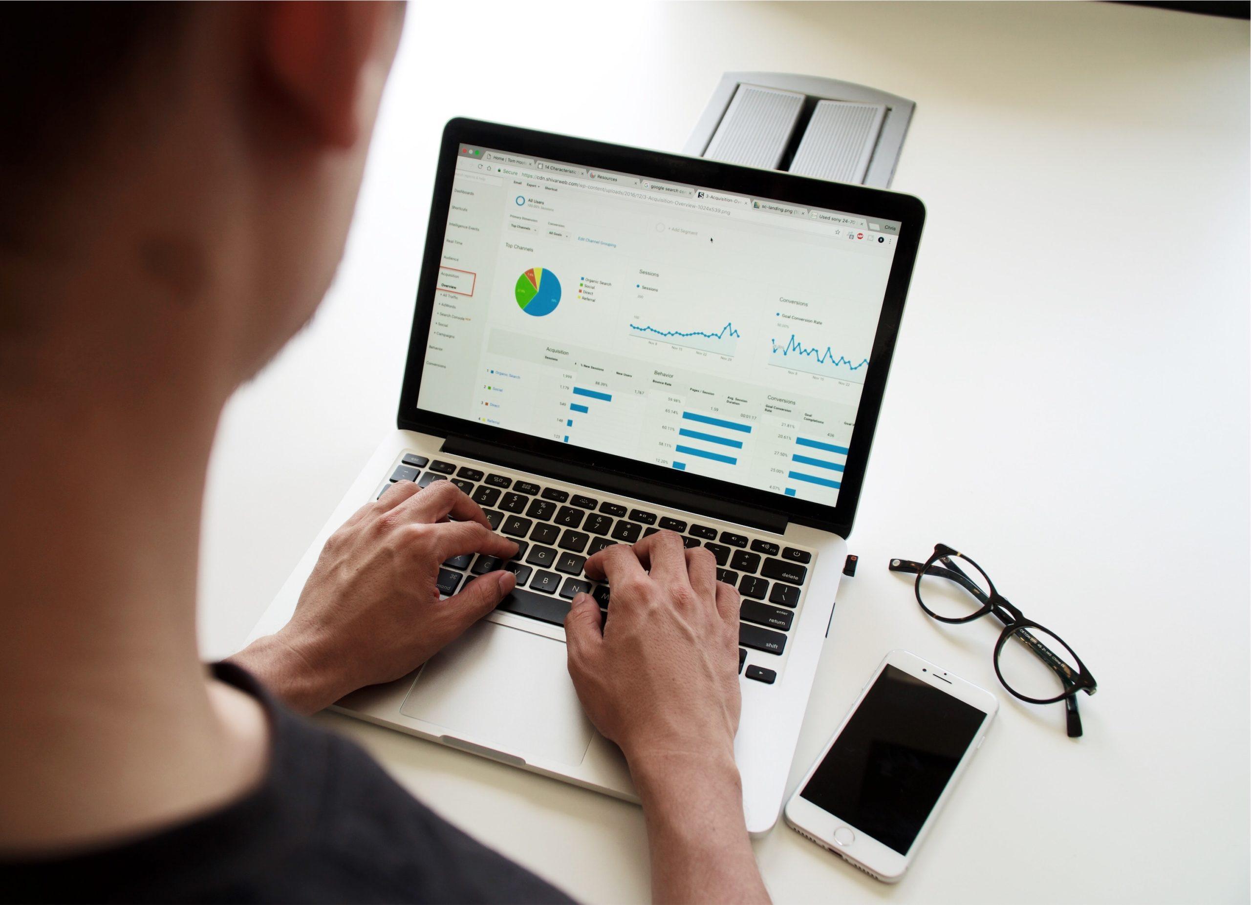 Jaki laptop kupić na własne potrzeby?