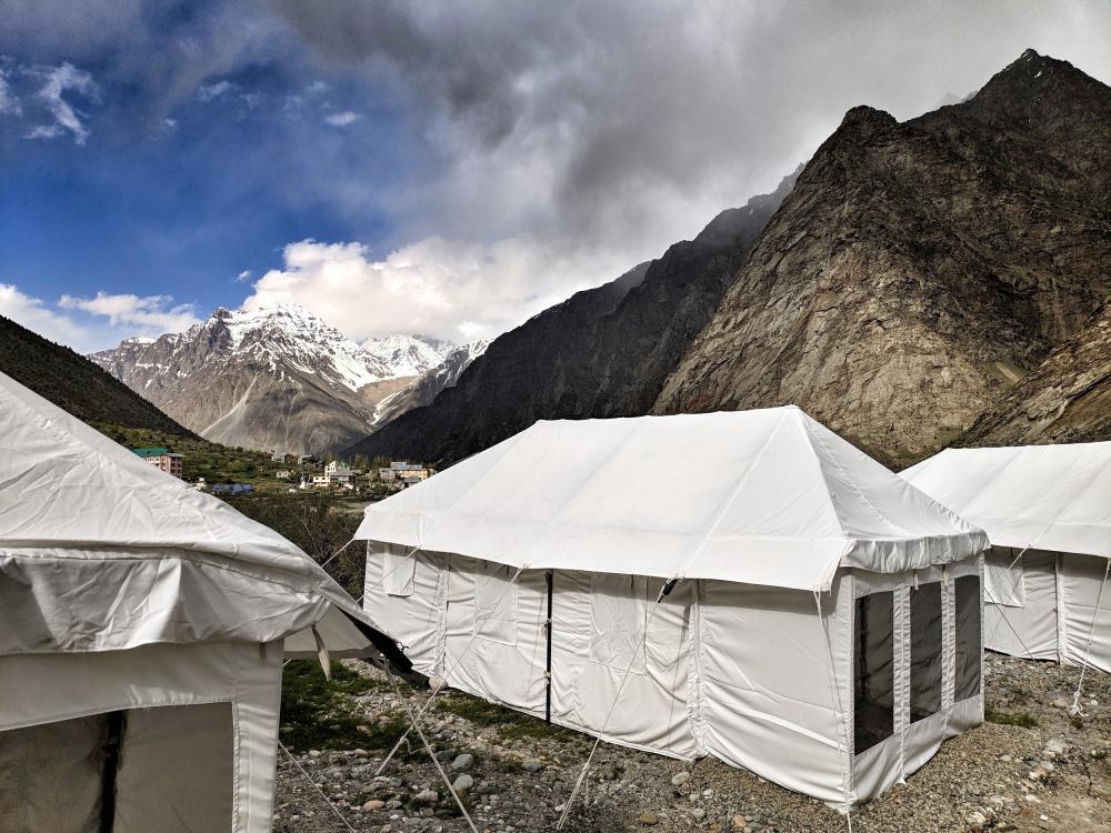 Hale namiotowe a obciążenie śniegiem